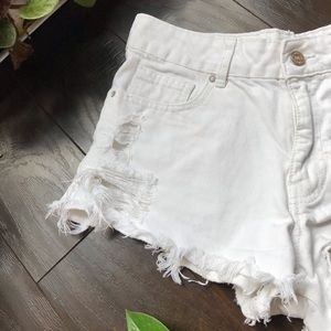 🔥3/30 F21 white frayed and ripped jean shorts